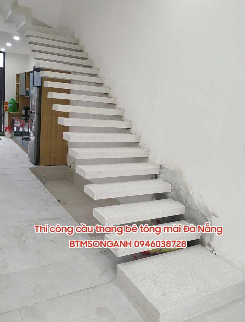 Thi công cầu thang bê tông mài, đá mài terrazzo Đà Nẵng Đà Nẵng